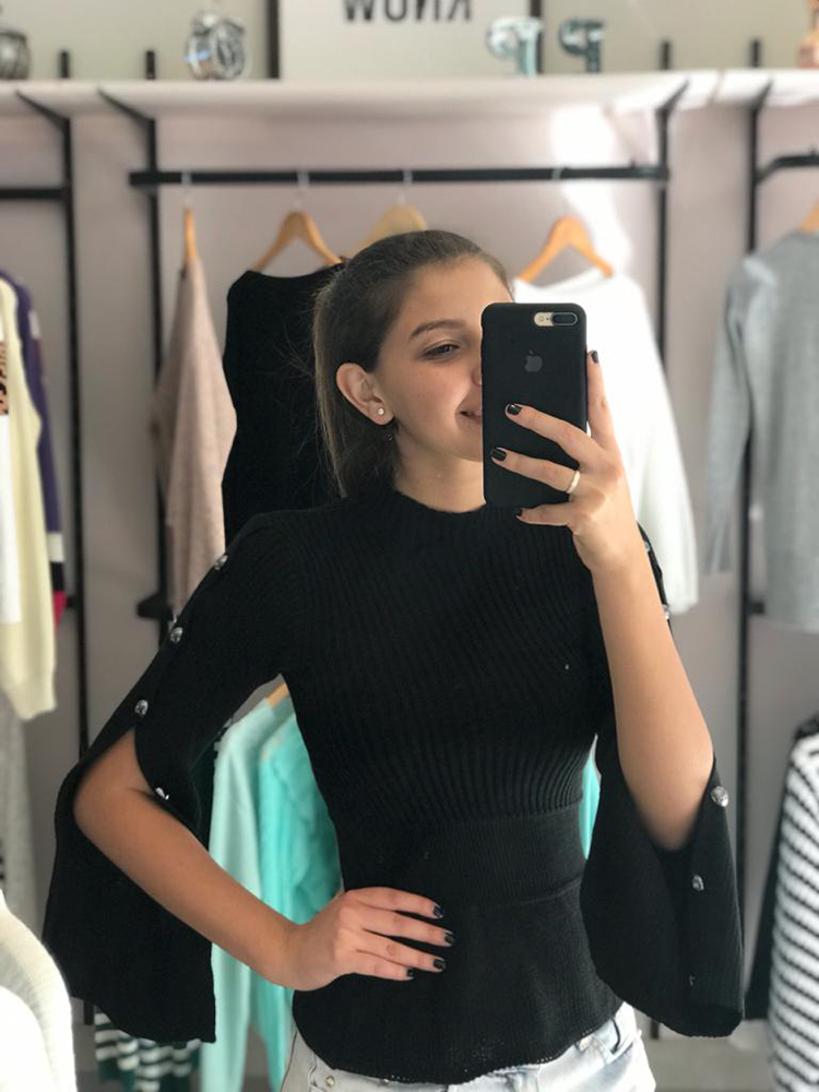 Blusa Nina- Botões na manga