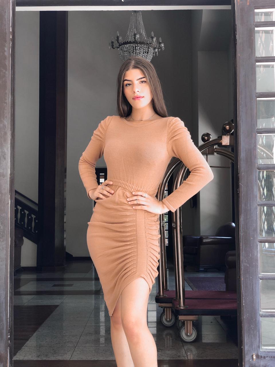 vestido modal pregas lateral